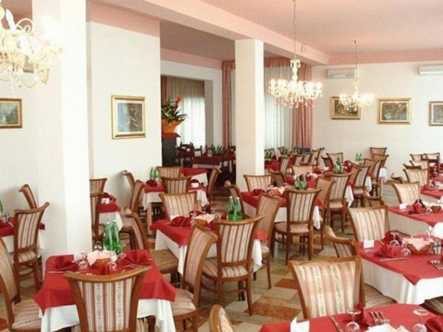 Hotel Reve Cattolica