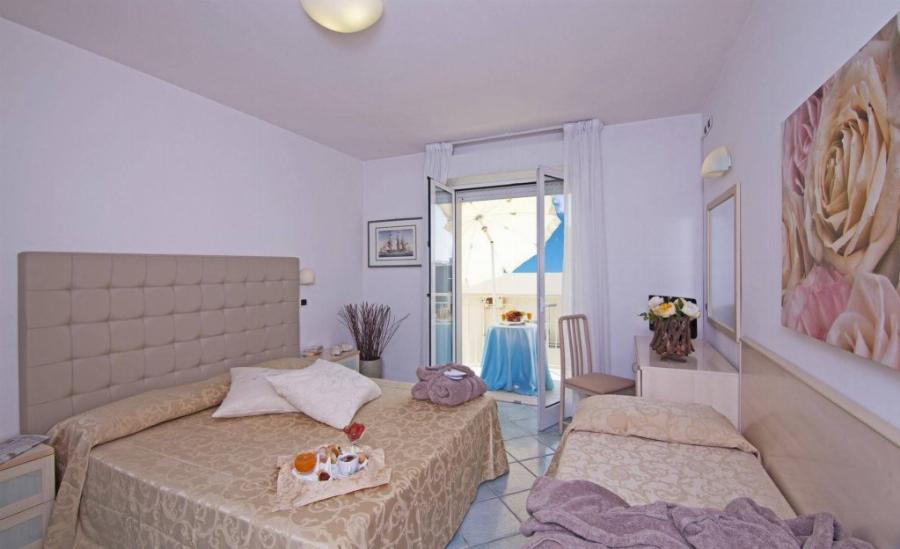 Hotel Ca' Bianca Riccione