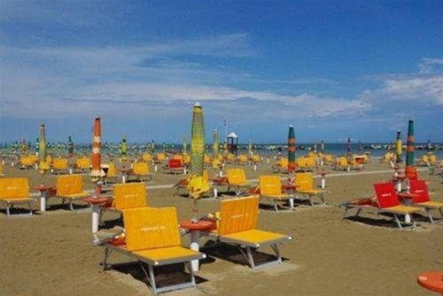 Hotel Holiday Beach Rimini