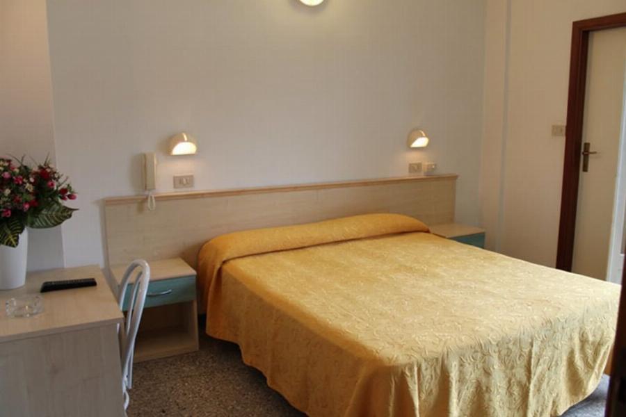 Hotel Madrid Cattolica