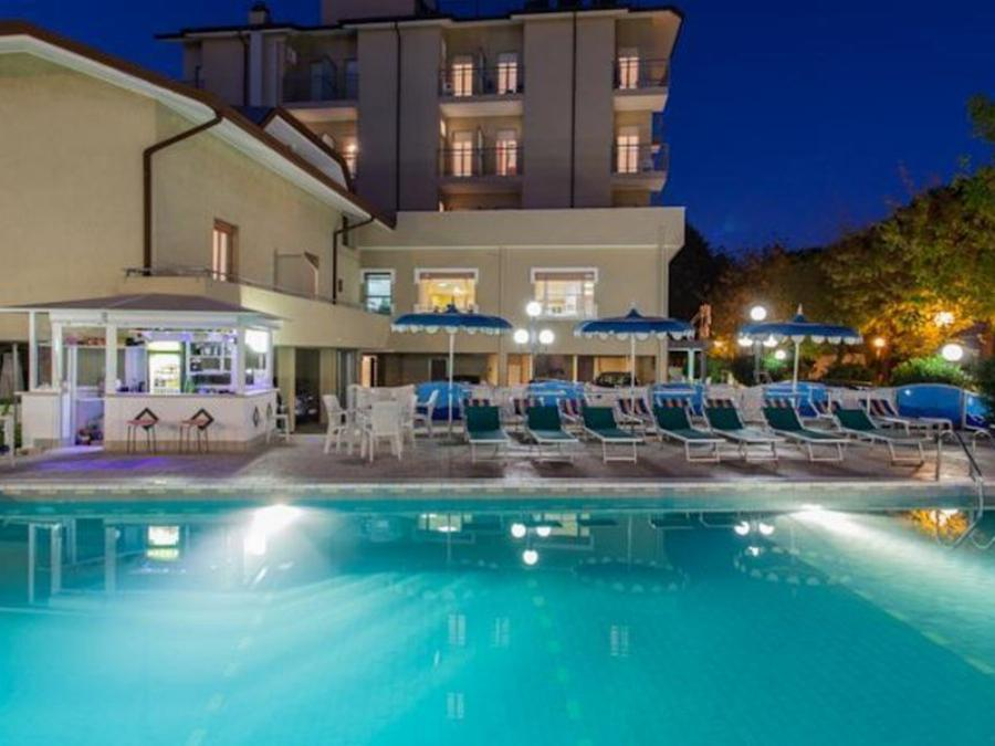 Hotel La Plaja San Mauro A Mare