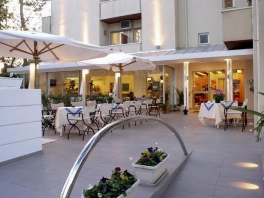 Hotel Nives Riccione