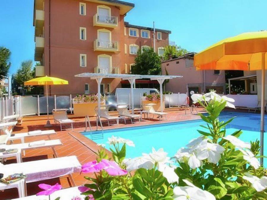 Apartment I Soli Che Girano Torre Pedrera Igea Marina