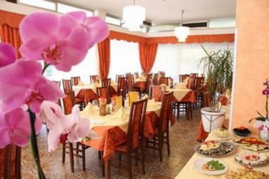 Hotel Tilly Valverde