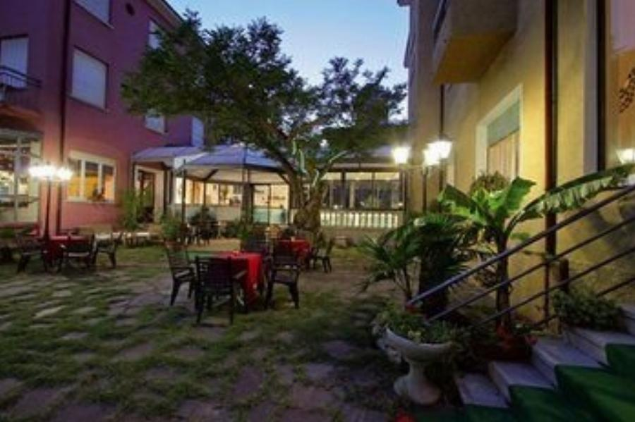 Hotel Flora Cesenatico